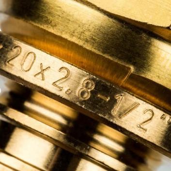 """STOUT Переходник с накидной гайкой 20xG 1/2"""" для труб из сшитого полиэтилена аксиальный"""